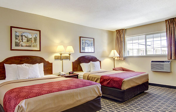 2 Queen Beds - No Smoking at Econo Lodge Inn & Suites, Santa Rosa