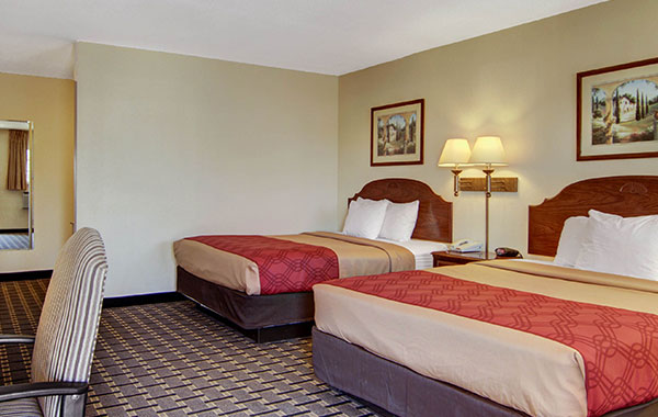 2 Queen Beds - Smoking at Econo Lodge Inn & Suites, New Mexico